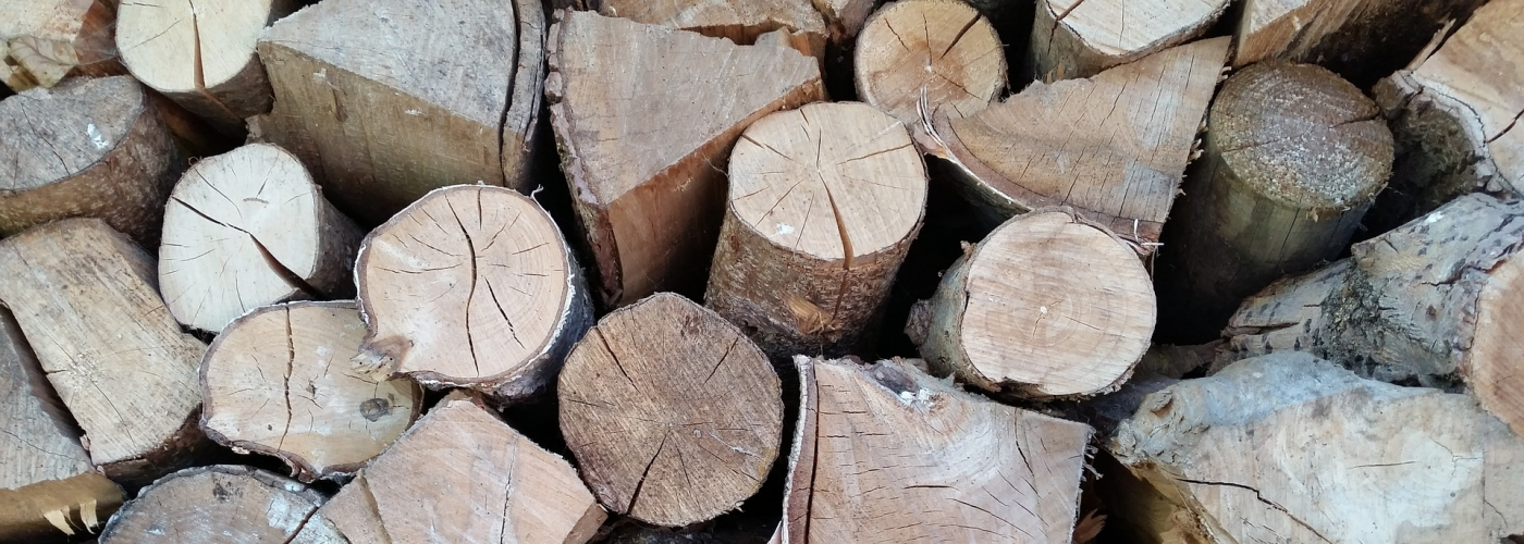 cropped-wood-for-the-fireplace-882104_1920.png